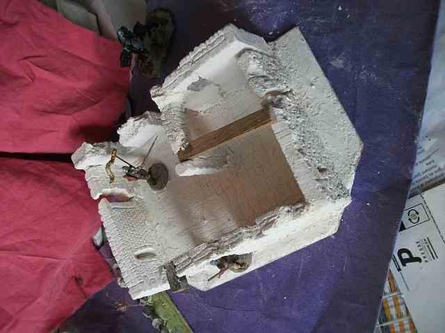 [Tuto] Remparts en plâtre - Moule en polystyrène - Page 2 MuretPlatreMaison_0018