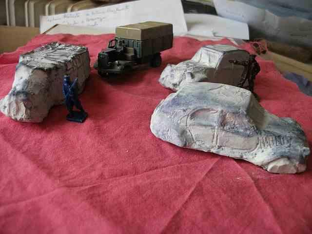 ruine de véhicules automobiles en platre  Epave1945Vehicule0003